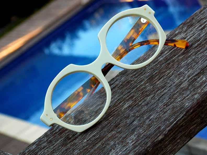 Création originale lunette blanche léopard Optique Pacheco - Optique Pacheco